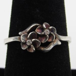 Size 7.75 Sterling Silver Rustic Floral CZ Ring